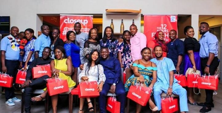 Closeup sponsors 10 couples to an all-expense paid dinner date in celebration of its #GiveLoveAChance campaign