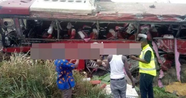 Police allegedly steal Ghc 18,000 from Kintampo accident scene