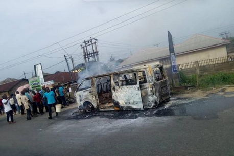 Photo: 18 Seated Bus Conveying School Children Goes Up In Flames In Bayelsa