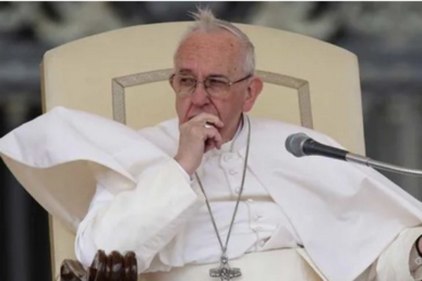 """""""Hairdressers Must Avoid Gossiping Or Else!!"""" Says Pope Francis"""