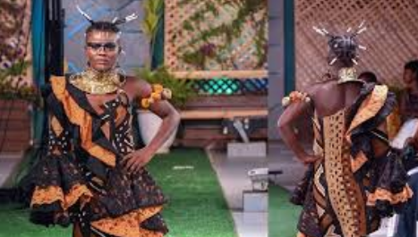 Photo: Wiyaala Models And Sings At Accra Fashion Week