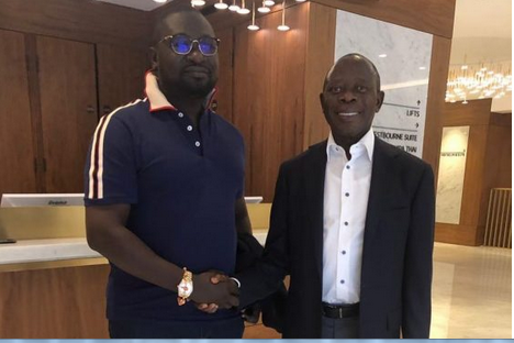 Checkout Fresh Photo Of Oshiomole That Everyone Is Talking About Even Davido